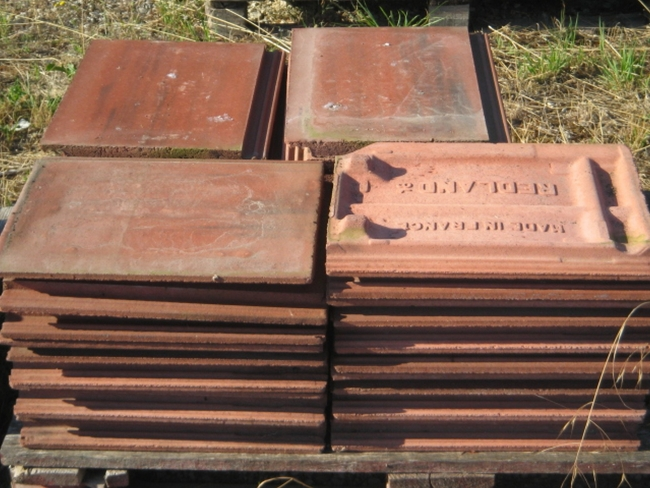 Aux bonnes affaires de greux for Redland tuile
